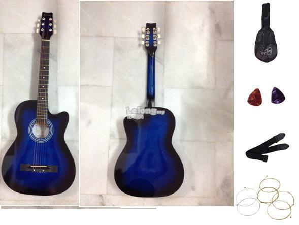 New Acoustic Guitar with free bag,strap,strings & 2 picks