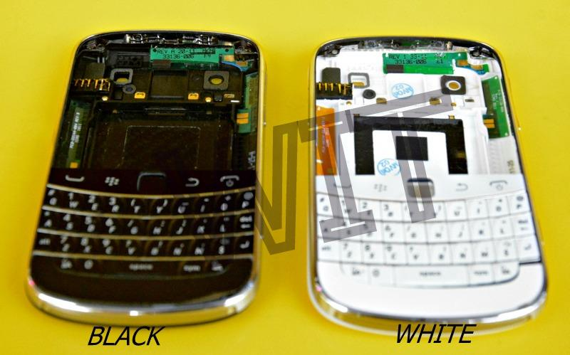 BlackBerry Bold 9900 Housing Keypad Middle board Battery Cover