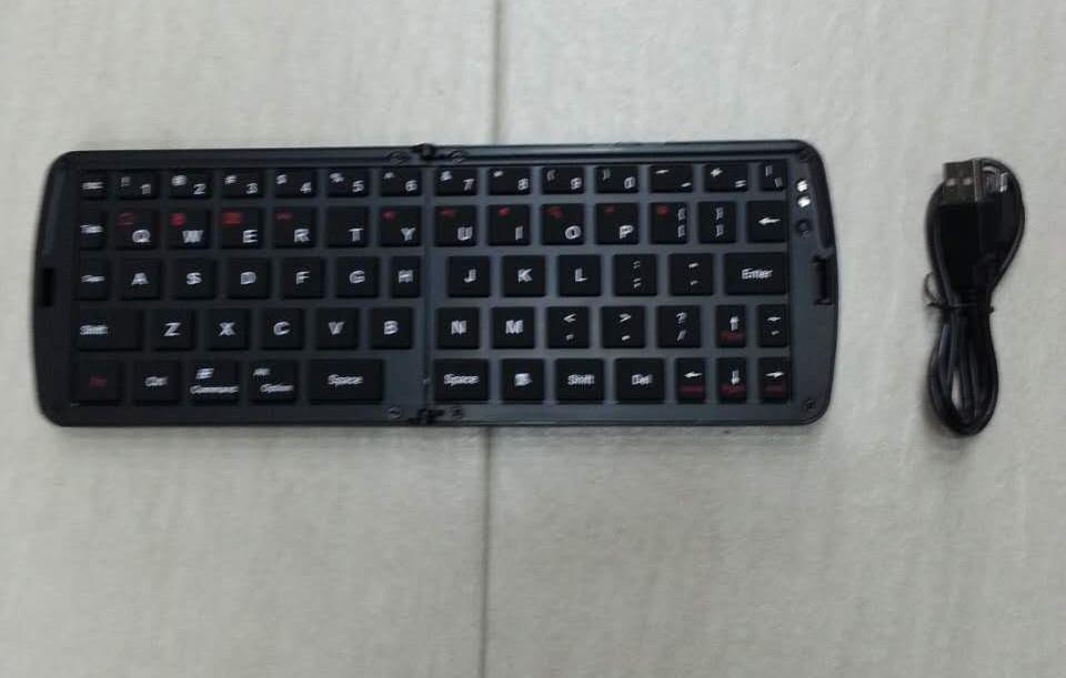Bluetooth keyboard for iPhone4/iPhone4s/iPad/iPad2/New iPad