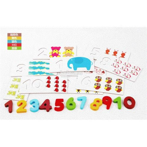 BRITISH CARD NUMBER WOODEN BLOCK SUITABLE FOR AGE 3+ YEARS
