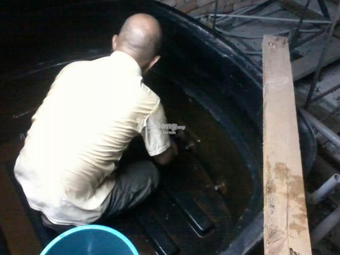 Cuci Tangki / Water tank cleaning for household ( Cleaning services)