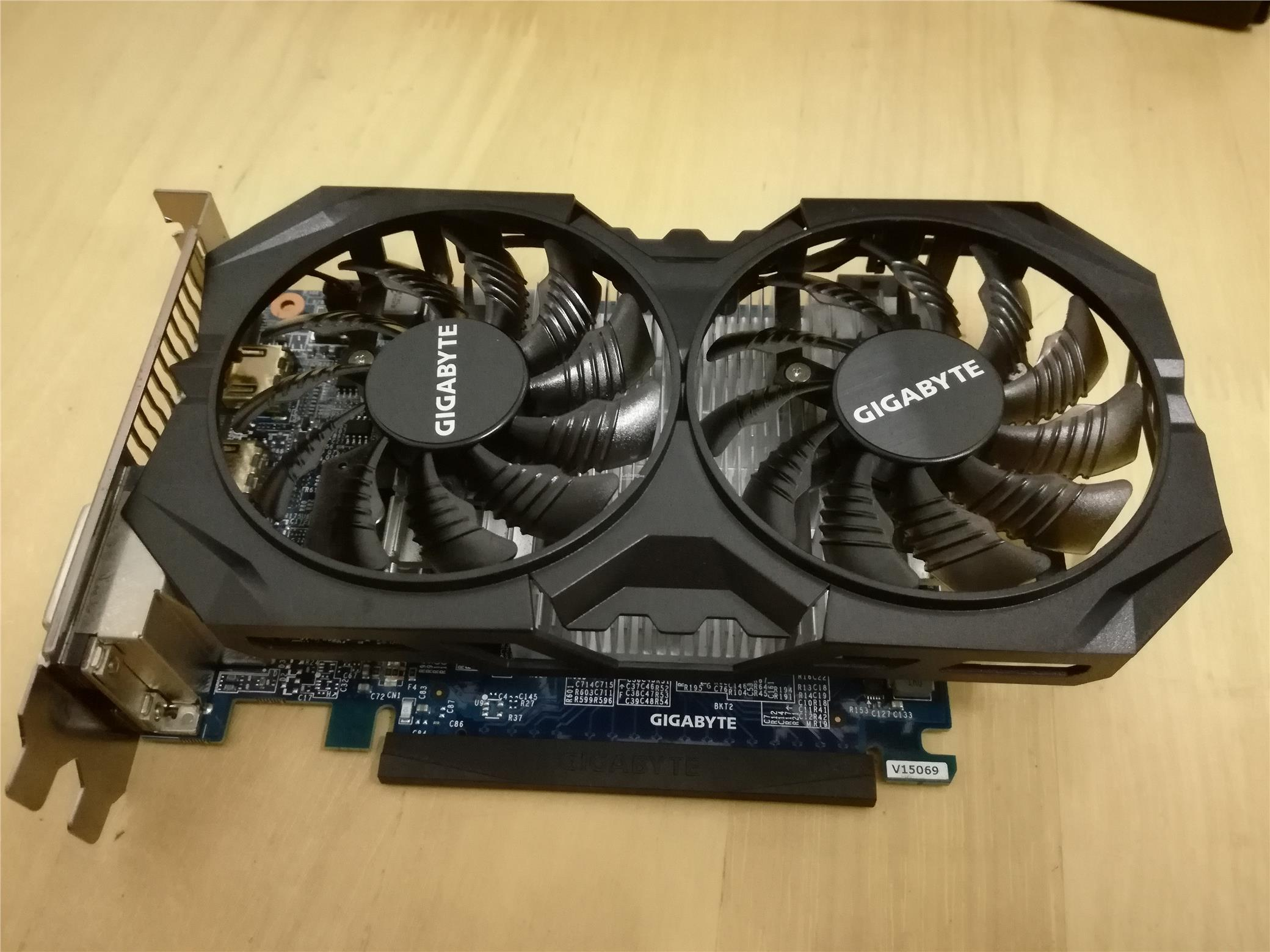 GIGABYTE GTX 750 2GB Ti WINDFORCE 2X OC Edition