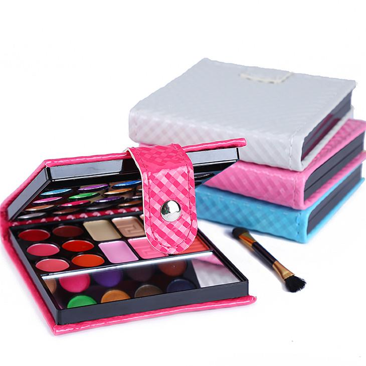 Golden Beauty~Professional Make-up Kit