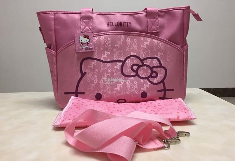HELLO KITTY PORTABLE MUMMY BAG (LARGE CAPACITY WITH 7 POCKETS INSIDE)