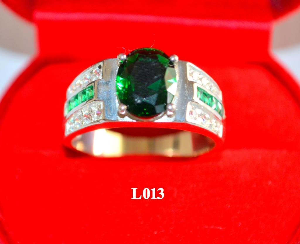 HOT MEN'S GREEN SILVER RING (L013)