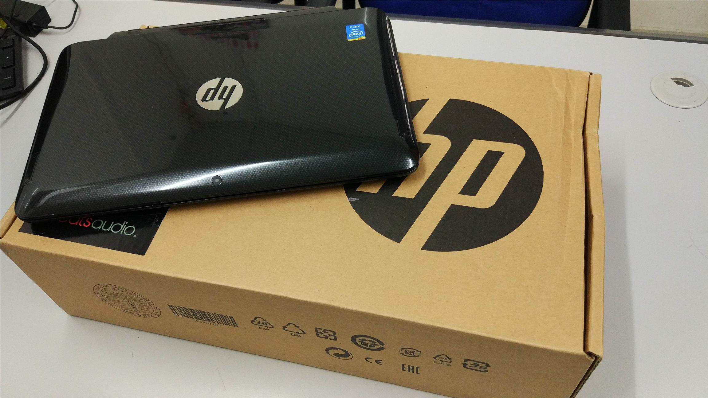 HP PAVILION 11 X2 11.6 Touch Screen i5 4GB 128SSD 2in1