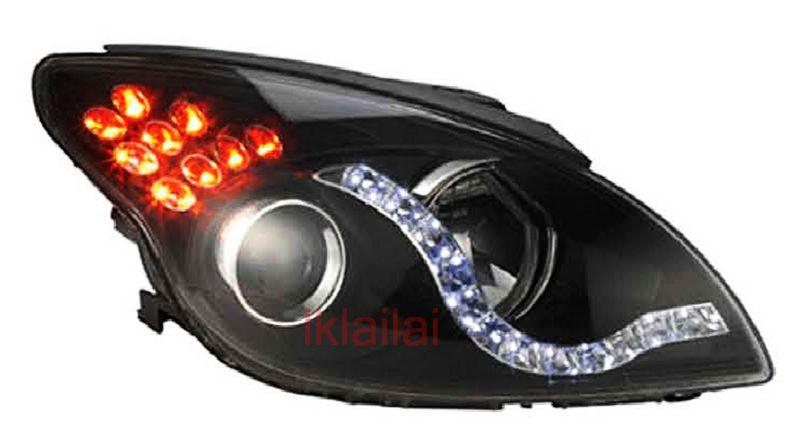 Hyundai i30 07 Projector Head Lamp LED DRL R8