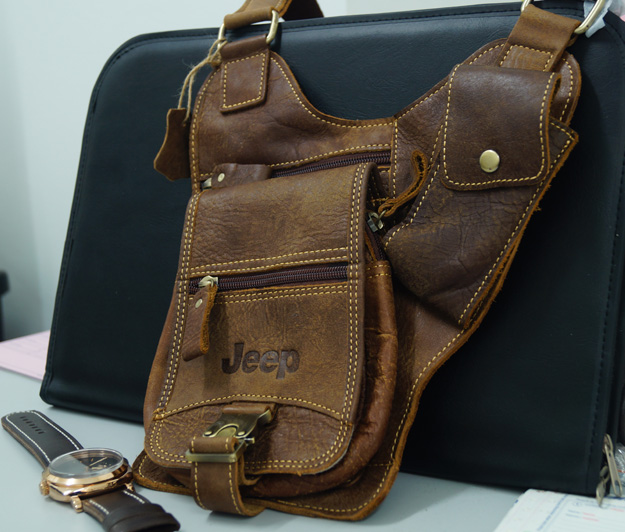 Jeep Shoulder Bag/Sling Bag Genuine (end 7/18/2015 5:15 PM)