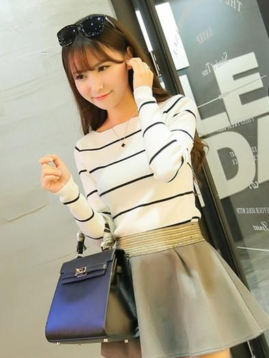 Korea Style Stripe Show-slim Thin Knit Blouse (White)