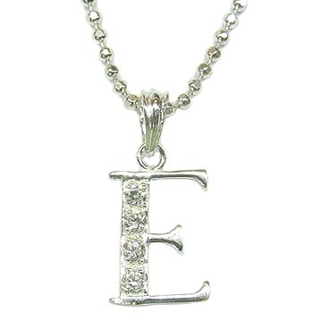 letter e silver necklace p6970es