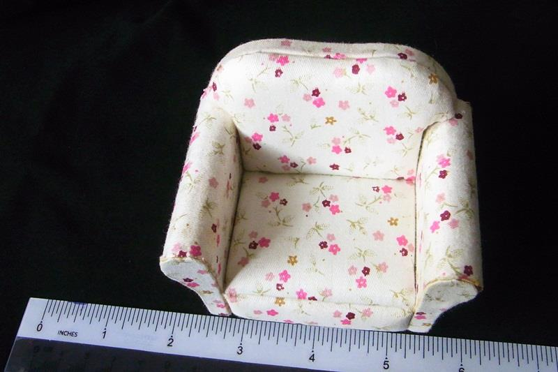 Living Room Furniture Single Sofa Couch 1:12 Dollhouse Miniature