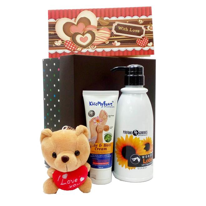 Mothers Day Gift Set With Kiss My Feet Heel Cream & Wonder Lotion