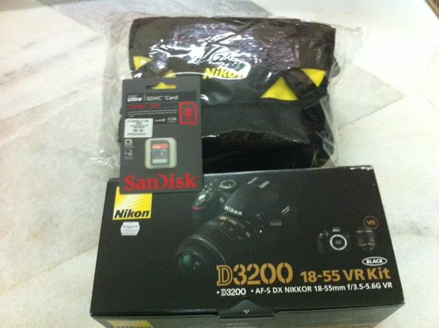 nikon D3200 + 18-55mm VR Kit Lens + 8GB + bag _ Msia warranty