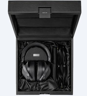 (PM Availability) Sony MDR-Z1R Premium Headphones