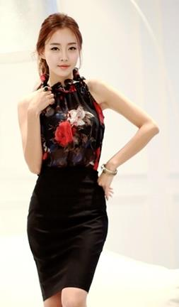 Rose Halter-style Show-slim Blouse (Black)
