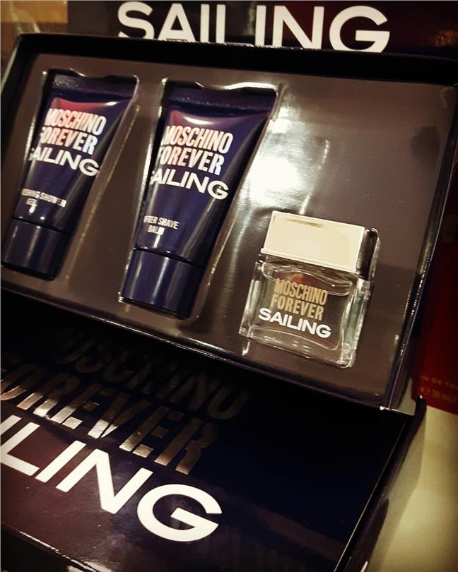 Forever Sailing by Moschino (M) Mini Set - EDT 4.5ml+A/S 25ml+S/G 25ml