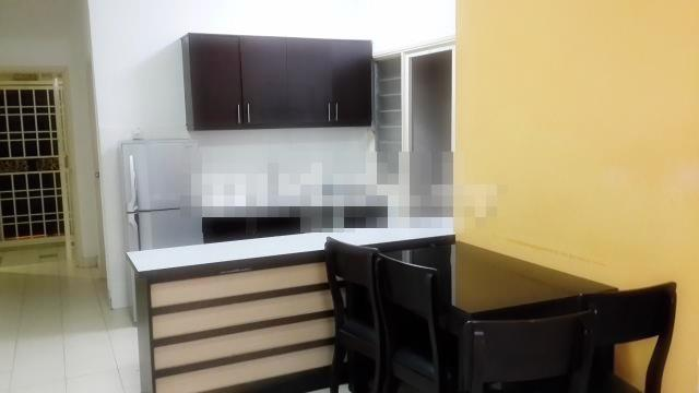 Serdang Villa Apartment for sale, Urgent, Serdang, Furnished