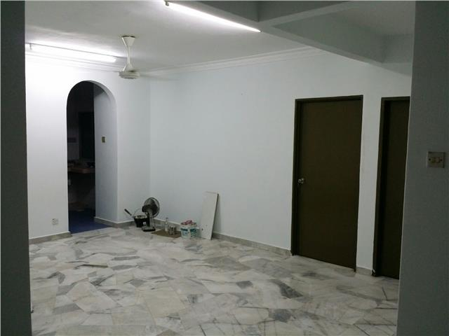 Sri Anggerik 2 Apartment for sale, Well Kept and Renovated, Puchong