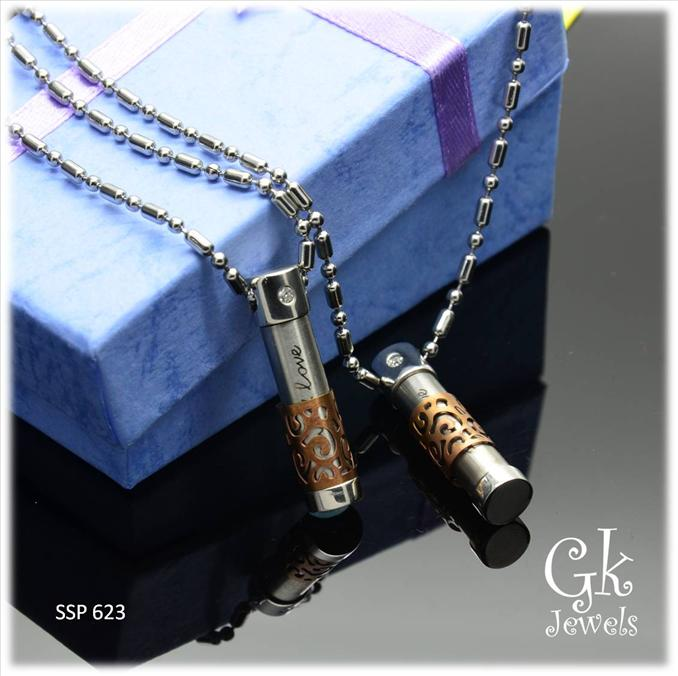 Stainless steel couple pendant SSP 623 ( include Chain)