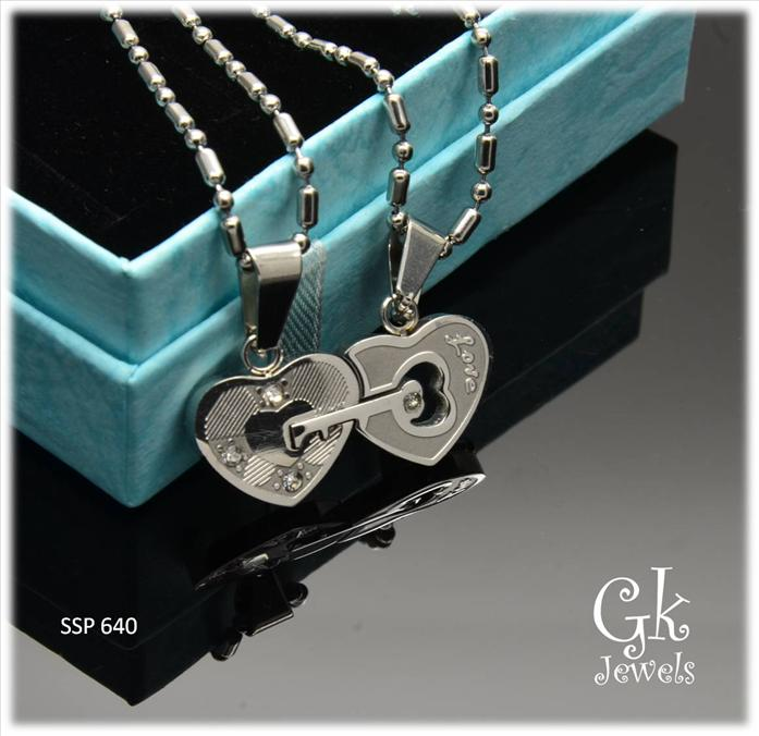 Stainless steel couple pendant SSP 640 ( include Chain)