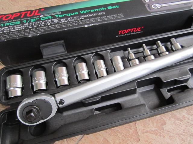"Toptul 11pcs 1/2""Dr. 40-210Nm Torque Wrench Set"