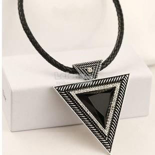 Trendy Women Necklace Style 1