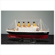TITANIC WOODEN MODEL CRUISE SHIP WITH LIGHT